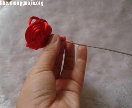 中国结玫瑰花编法图解 玫瑰花的编法