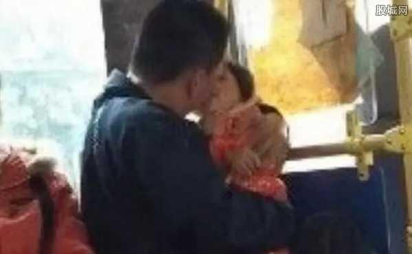 亲吻女性下体的危害_小孩摸爸爸的私处疯狂亲吻摸女孩下体超级变态-情感-云图网